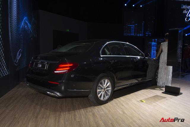 Mercedes-Benz E-Class nâng công nghệ, giữ giá bán - Thêm bất lợi cho BMW 5-Series và Audi A6 tại Việt Nam - Ảnh 5.