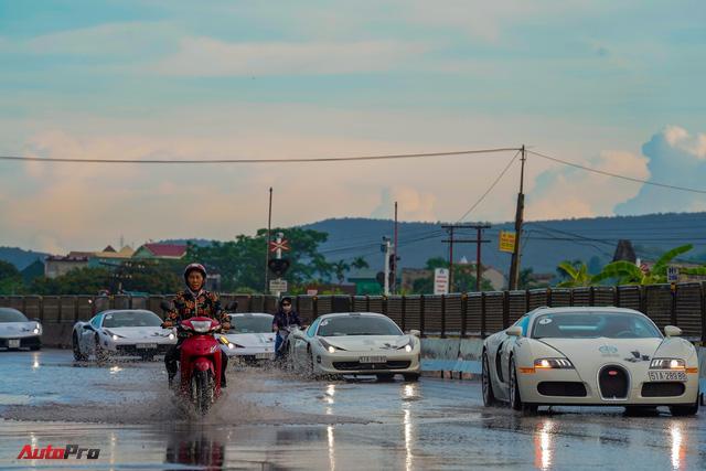 Siêu phẩm Bugatti Veyron đã bảo dưỡng xong, sẵn sàng quay trở lại chặng cuối hành trình xuyên Việt - Ảnh 6.