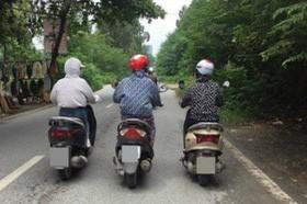 Hình ảnh ba chị gái Ninja và cách đi trên đường khiến tất cả đều ngán ngẩm