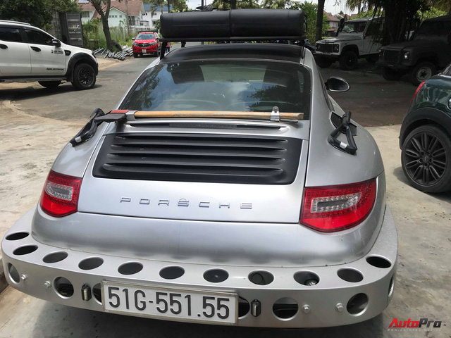 Thợ Việt lột xác xe thể thao Porsche 911 Carrera theo phong cách trèo đèo lội suối - Ảnh 5.