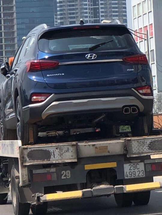 Hyundai Santa Fe thế hệ mới xuất hiện tại Hà Nội trước thời điểm ra mắt - Ảnh 1.