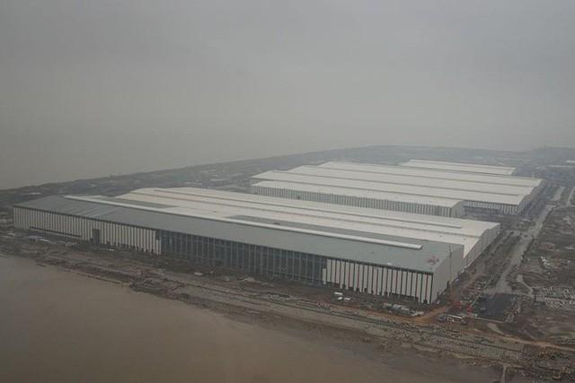 Báo Đức công bố loạt ảnh độc bên trong nhà máy VinFast - Ảnh 4.