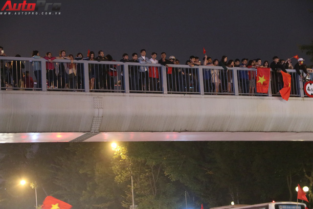 U23 Việt Nam tiến vào chung kết - đêm không ngủ của giao thông Hà Nội - Ảnh 9.