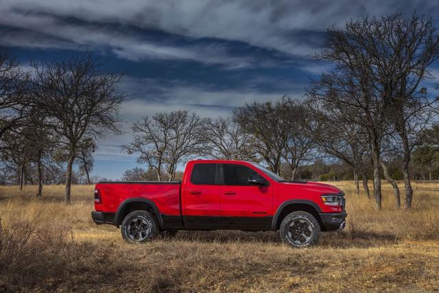 Ram 1500 lọt top 3 bán tải Bắc Mỹ, đứng dưới Ford F-Series và Chevrolet Silverado - Ảnh 1.