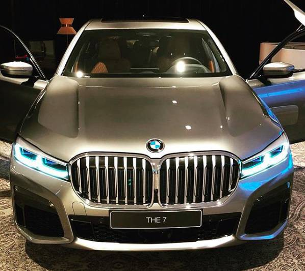 BMW 7-Series lộ hàng với tản nhiệt khổng lồ - Ảnh 1.