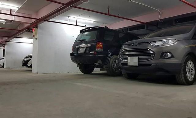 Hàng chục ô tô bị nhốt trong hầm chung cư sau sự cố hy hữu  - Ảnh 3.