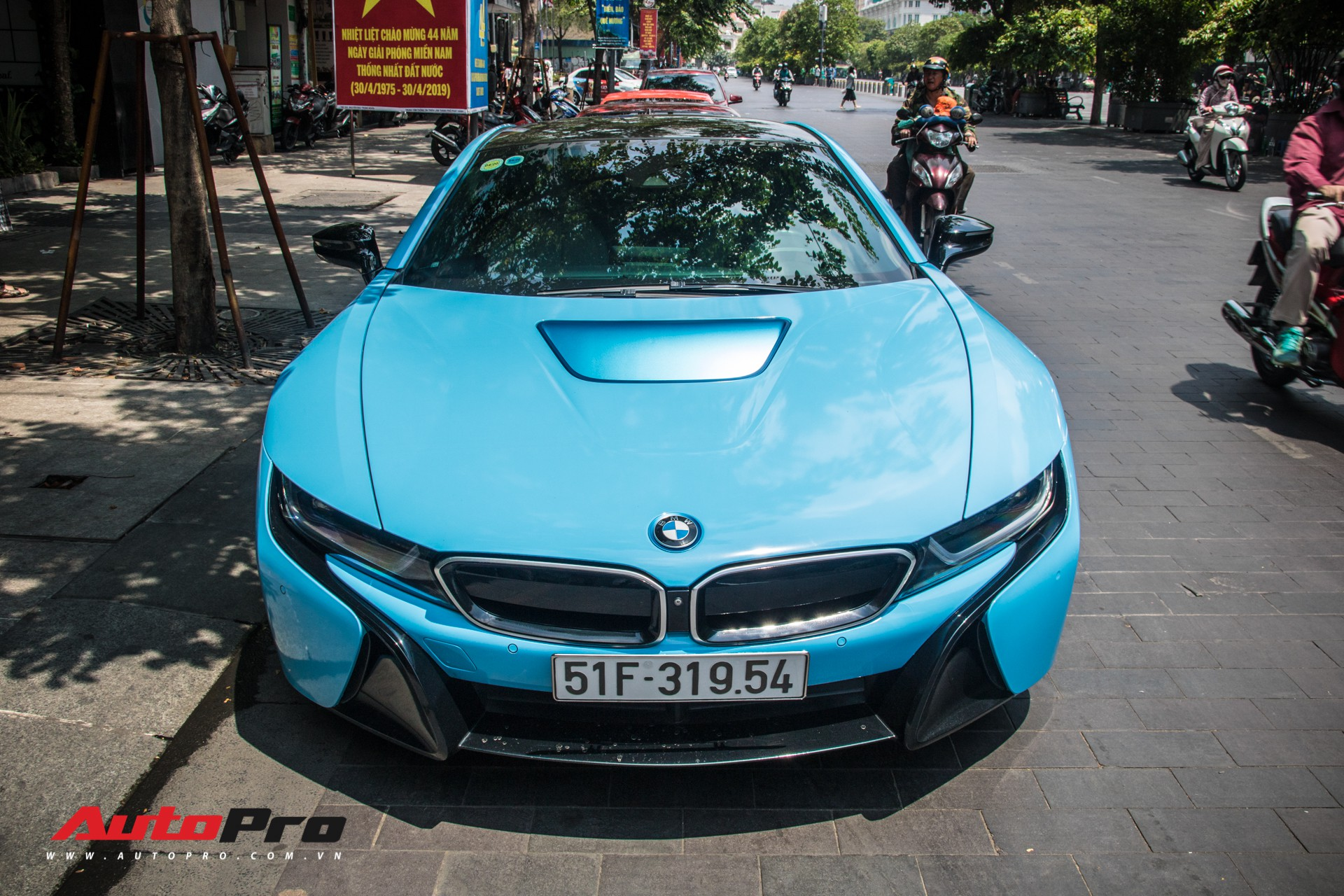 BMW i8 đã trở nên đại trà ở Việt Nam, chủ chiếc xe này chọn cách làm mới khác biệt để tạo điểm nhấn - Ảnh 4.