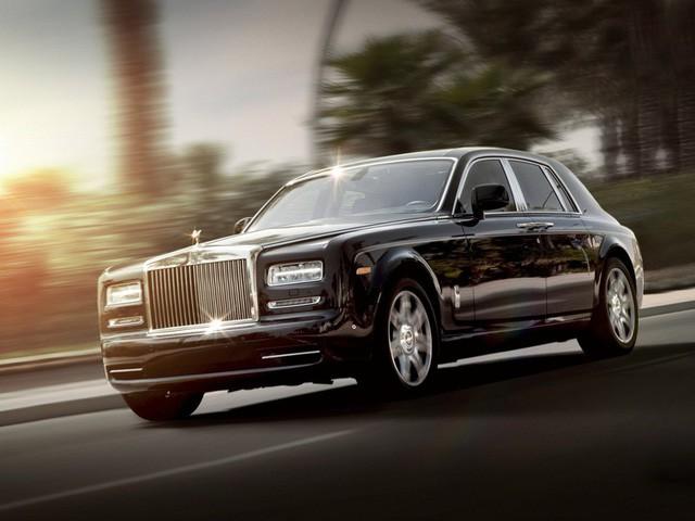 Sở hữu 500 siêu xe Rolls-Royce, Quốc vương Brunei sống xa hoa như thế nào? - Ảnh 13.