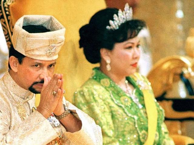 Sở hữu 500 siêu xe Rolls-Royce, Quốc vương Brunei sống xa hoa như thế nào? - Ảnh 17.