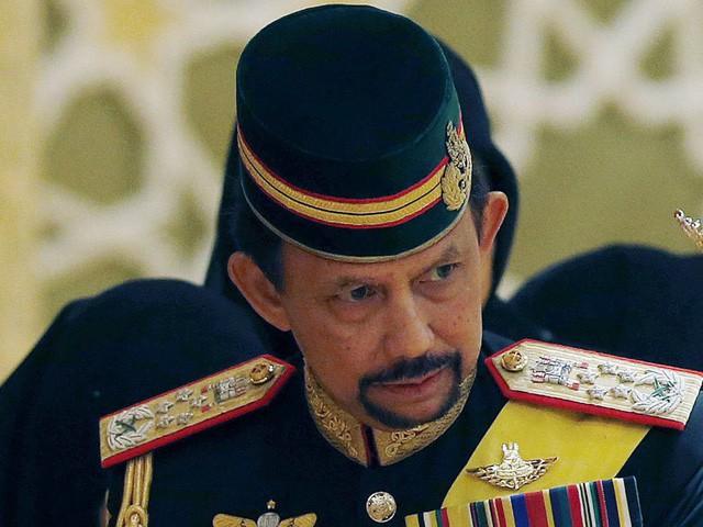 Sở hữu 500 siêu xe Rolls-Royce, Quốc vương Brunei sống xa hoa như thế nào? - Ảnh 21.
