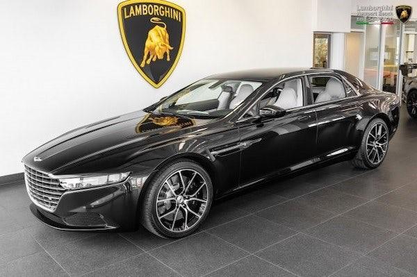 Aston Martin Lagonda Taraf chuẩn bị được bán đấu giá - cơ hội mua xe siêu sang hàng hiếm cho giới nhà giàu - Ảnh 1.