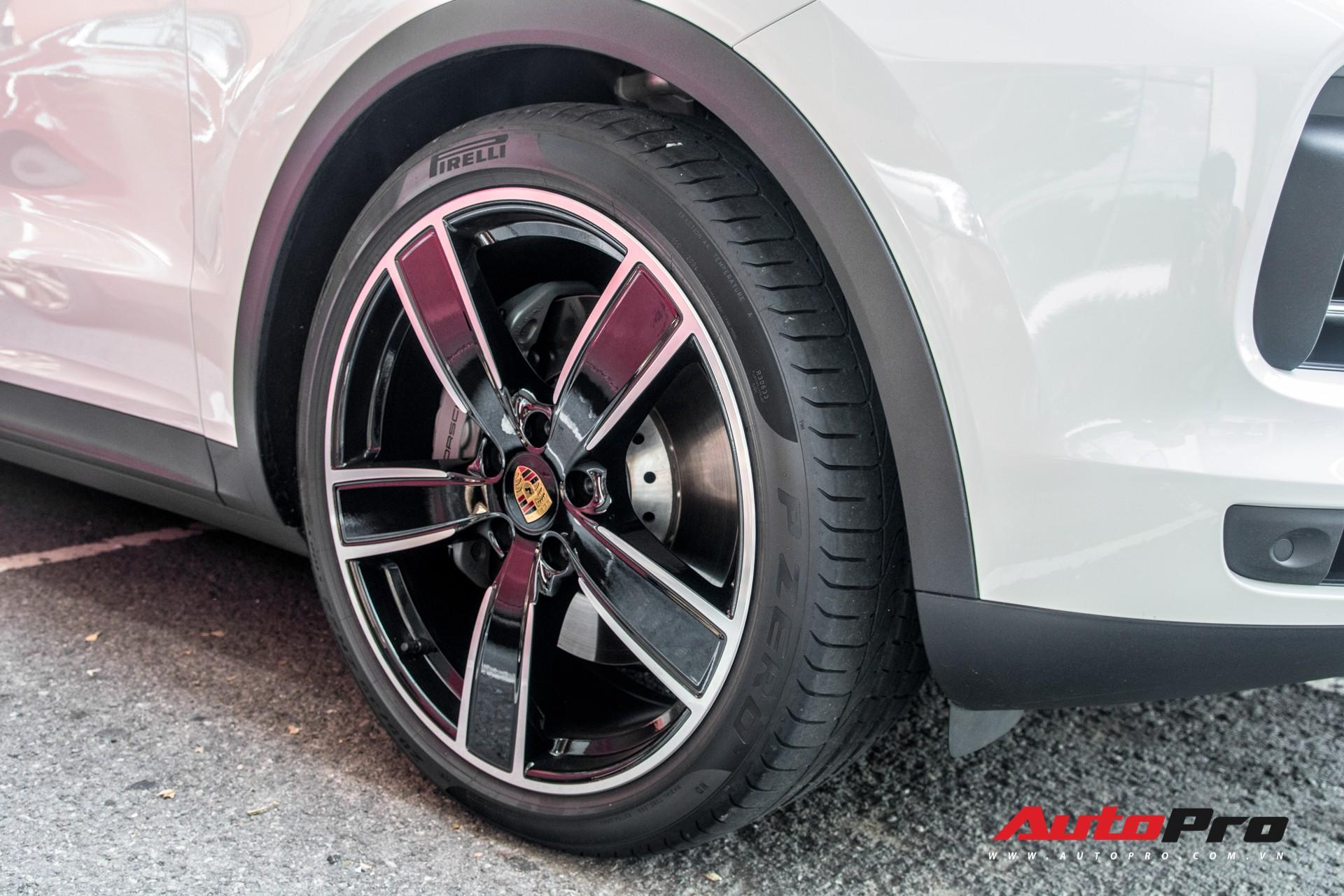 Cường Đô-la, Đàm Thu Trang mạnh tay chi hơn 7 tỷ đồng tậu Porsche Cayenne S thế hệ mới - Ảnh 10.