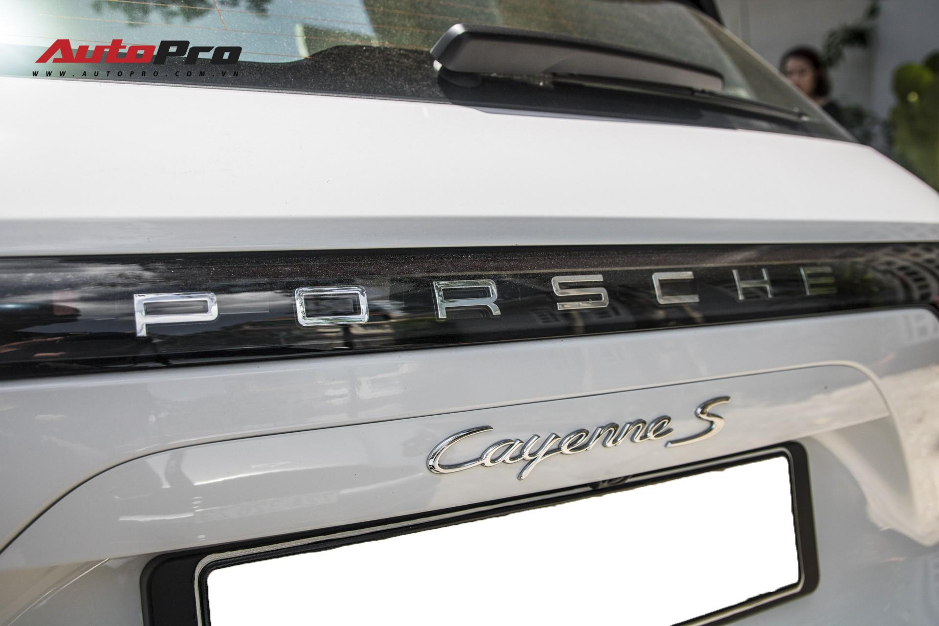 Cường Đô-la, Đàm Thu Trang mạnh tay chi hơn 7 tỷ đồng tậu Porsche Cayenne S thế hệ mới - Ảnh 11.