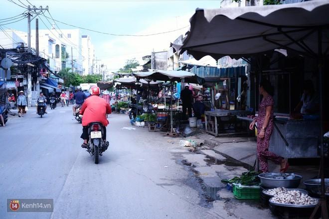 Cụ bà 73 tuổi chạy xe ôm công nghệ để nuôi cháu ở Sài Gòn: Nhiều khi buồn tủi lắm, dính mưa là về bệnh nằm luôn... - Ảnh 9.