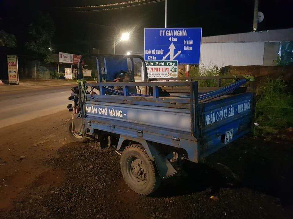 Người đàn ông chạy xe ba gác vượt 1.400km từ Sài Gòn về Nghệ An: Nghĩ tới 5 triệu xót tiền, tôi tự phượt còn hơn nhưng chia sẻ tiếp theo còn gây sốc hơn - Ảnh 1.