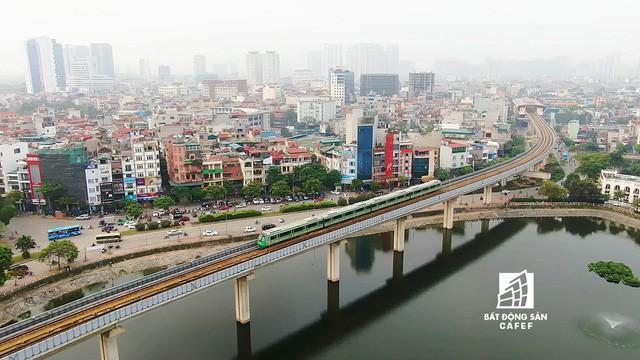 Sau 11 năm xây dựng, hình hài toàn tuyến metro đầu tiên của Việt Nam tại Hà Nội hiện nay như thế nào? - Ảnh 1.