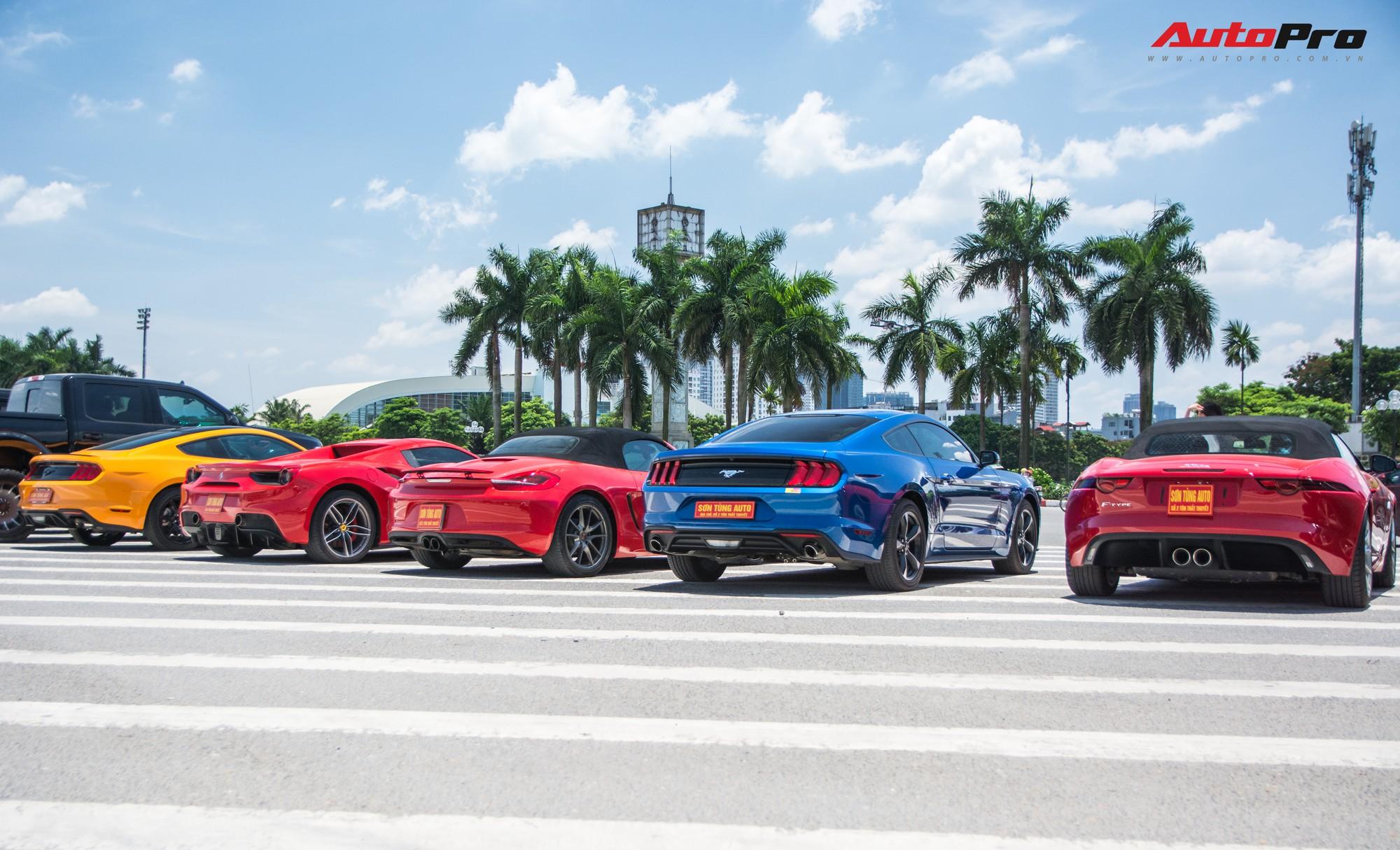 Dàn siêu xe, xe thể thao và xe siêu sang trị giá cả trăm tỷ diễu hành trên phố Hà Nội - Ảnh 10.