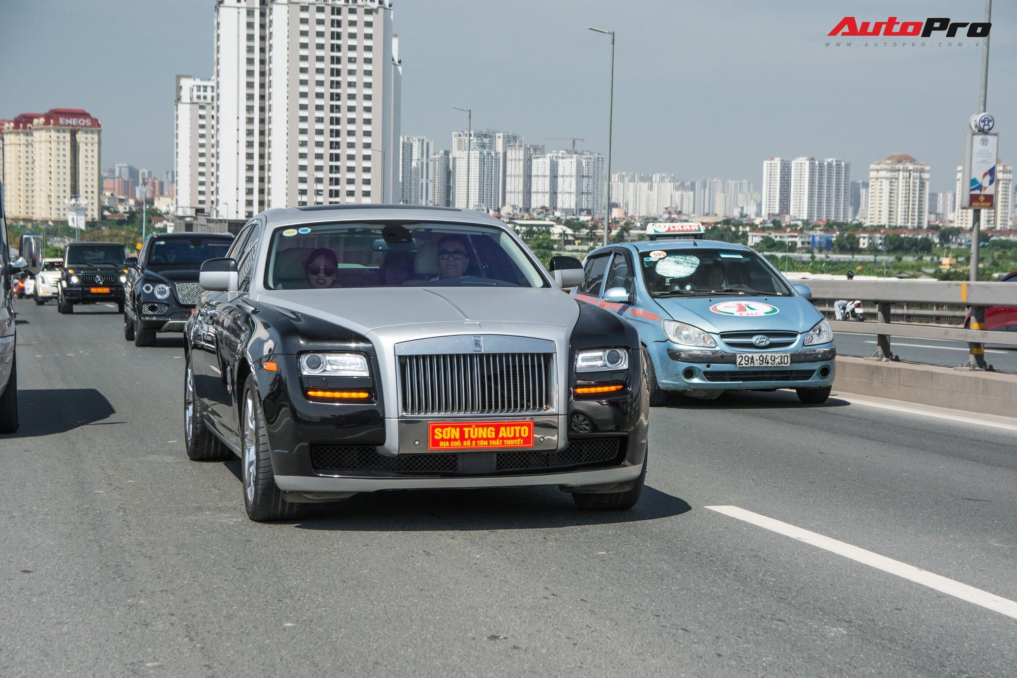 Dàn siêu xe, xe thể thao và xe siêu sang trị giá cả trăm tỷ diễu hành trên phố Hà Nội - Ảnh 13.