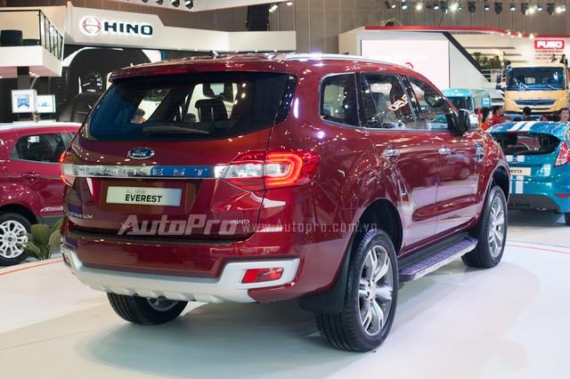 Người mua phải chờ qua Tết Âm lịch mới được nhận xe nếu đặt mua Ford Everest 2016 vào thời điểm này.