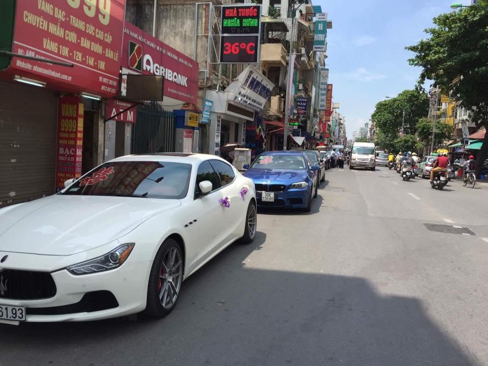 Ngoài ra, còn có chiếc Maserati Ghibli S Q4 màu trắng muốt, đây là chiếc sedan tầm trung của hãng xe sang cây đinh ba đầu tiên xuất hiện tại thị trường Việt Nam.