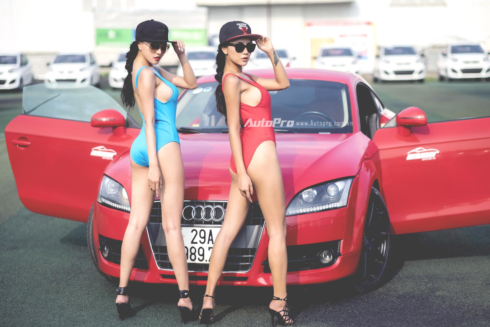 chân dài nóng bỏng cùng Audi TT Chân dài nóng bỏng cùng Audi TT trong nắng capdoinongbongcungaudittuotattrongnanghe