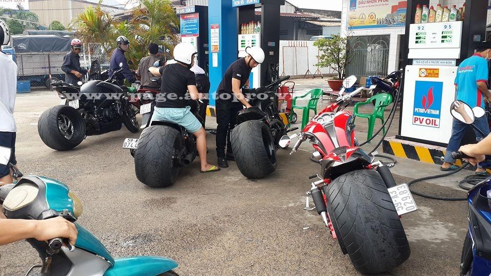 """Ngắm loạt xe mô tô """"bánh béo"""" hội tụ tại đại hội motor Đà Nẵng 4"""