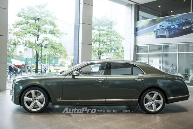 Đại lý Bentley Việt Nam ra mắt vào cuối 2014 nhưng khá trầm lắng trong suốt thời gian qua. Đến nay, vào thời điểm năm hết tết đến, Bentley Việt Nam bất ngờ mang về chiếc Mulsanne Speed 2016 với những chi tiết được cá nhân hoá theo yêu cầu riêng của vị khách hàng đại gia.
