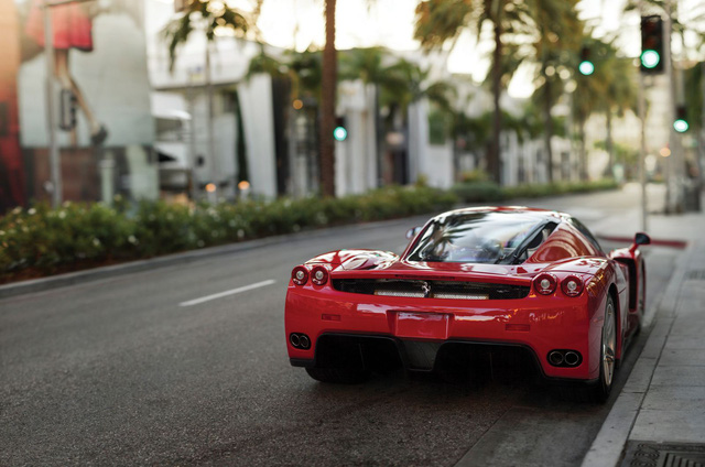 Chiếc siêu xe Ferrari Enzo từng thuộc về Floyd Mayweather.