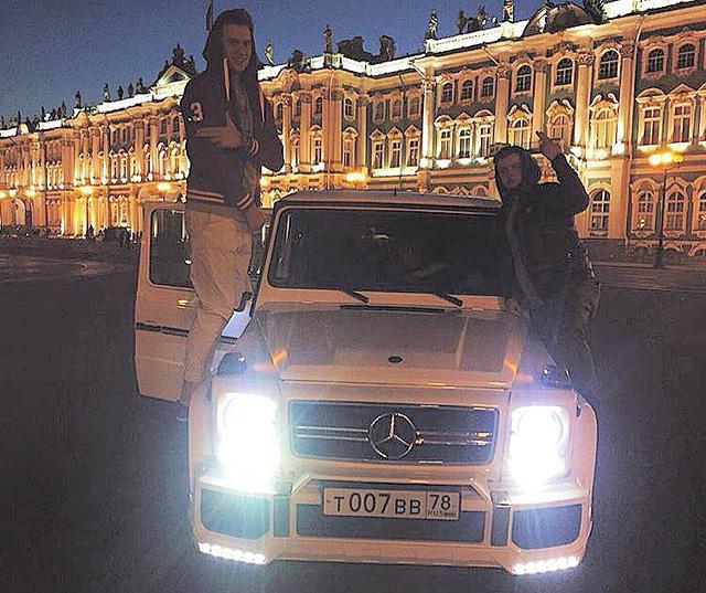 """2010 Mercedes Benz G Class Camshaft: Hội Con Nhà Giàu Nga Và Thú Khoe Xe """"xịn"""" Trên Mạng Xã Hội"""