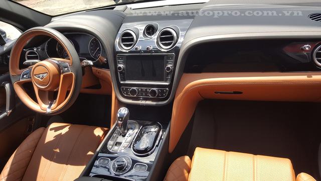 Soi chi tiết nội thất Bentley Bentayga mẫu SUV hạng sang giá 23 tỷ tại Việt Nam 4