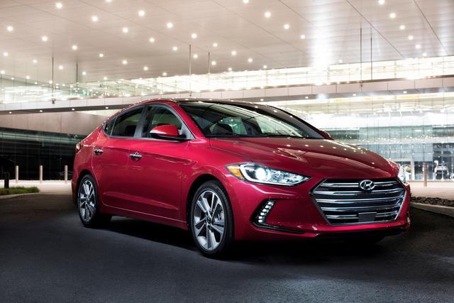 Hyundai Elantra/Avante thế hệ thứ 6, tại thị trường Bắc Mỹ.