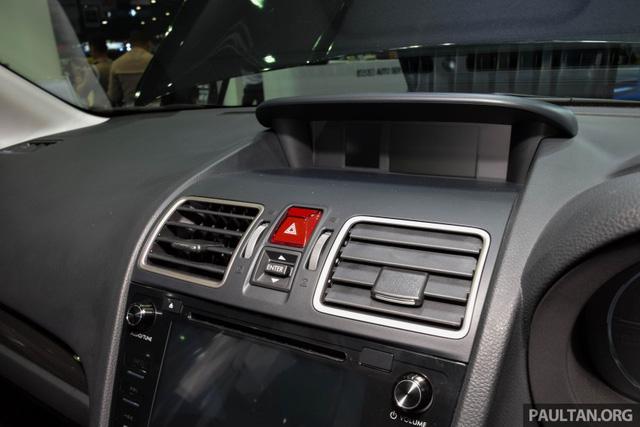 Dàn âm thanh của Subaru Forester 2.0i và 2.0i-P là loại 2DIN của nhãn hiệu Kenwood với màn hình cảm ứng. Riêng bản 2.0 XT có hệ thống âm thanh cao cấp với loa Harman Kardon.
