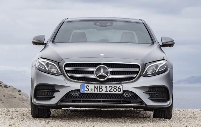 Mercedes-Benz E-Class thế hệ mới phiên bản AMG Line.