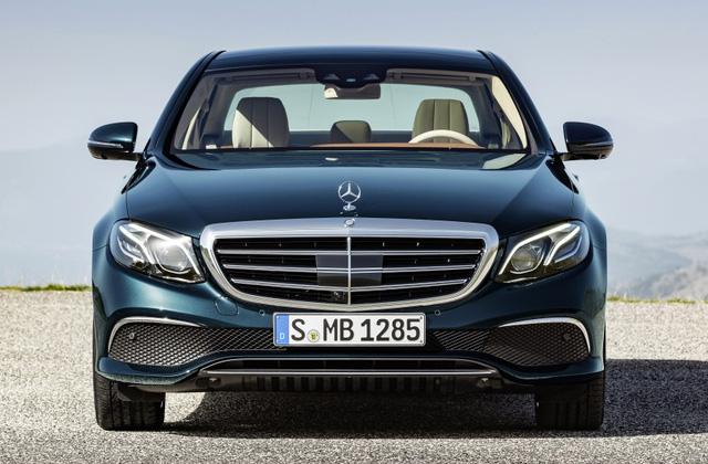 Mercedes-Benz E-Class thế hệ mới phiên bản Exclusive Line.