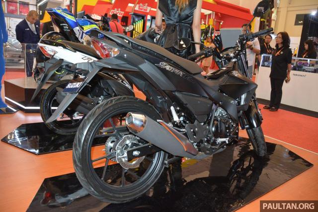 Động cơ cho phép Suzuki Satria F150 FI Black Predator đạt vận tốc tối đa 142 km/h và hoàn thành quãng đường 100 m từ vị trí đứng yên trong 6,9 giây.