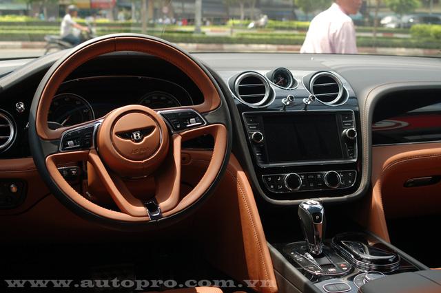 Soi chi tiết nội thất Bentley Bentayga mẫu SUV hạng sang giá 23 tỷ tại Việt Nam 8