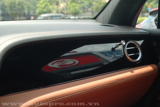 Soi chi tiết nội thất Bentley Bentayga mẫu SUV hạng sang giá 23 tỷ tại Việt Nam 10