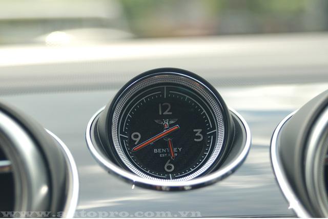Soi chi tiết nội thất Bentley Bentayga mẫu SUV hạng sang giá 23 tỷ tại Việt Nam 9