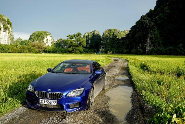 BMW M6 Gran Coupe thực chất là phiên bản tính năng cao của 6-Series Gran Coupe với gói nâng cấp hiệu suất M Performance.