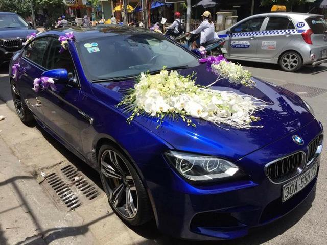 BMW M6 Gran Coupe của chủ nhân buổi tiệc từng nổi đình đám vào năm 2014 khi thuộc diện một trong hai chiếc đầu tiên về Việt Nam. Khác với chiếc mang ngoại thất màu cam được phân phối chính hãng, M6 Gran Coupe tại Ninh Bình được chủ nhân đưa về nước sau thời gian dài cầm lái tại thị trường Mỹ.