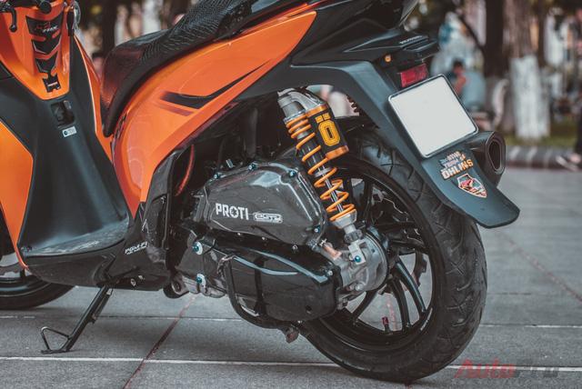Cực chất với Honda SH 150i độ nhiều đồ chơi hiệu cùng tông màu cam/đen 8