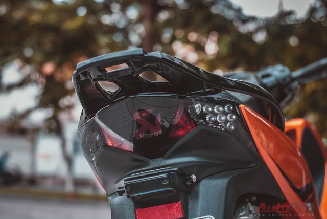 Cực chất với Honda SH 150i độ nhiều đồ chơi hiệu cùng tông màu cam/đen 66