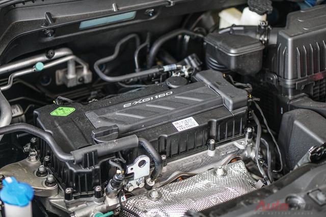 Xe được trang bị động cơ xăng e-XGi160, 4 xy-lanh, dung tích 1.6L, cho công suất cực đại 126 mã lực và mô-men xoắn lớn nhất 157 Nm, kết hợp hộp số tự động Aisin 6 cấp. Đáng chú ý, trang bị sẵn có trên xe là nút bấm điều chỉnh 3 chế độ lái (Normal, Comford và Sport) kết hợp 3 chế độ vận hành (ECO, Power, Winter) tác động trực tiếp vào động cơ, giúp chiếc xe vận hành phù hợp với nhu cầu người lái. Xe có sẵn chế độ sang số tay (M) với lẫy đẩy số nằm ngay gần tay nắm, dễ dàng chuyển số tay chỉ bằng ngón cái.