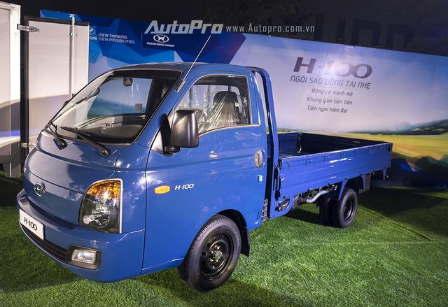 Hyundai Porter H-100 với mức giá khởi điểm 325 triệu đồng.