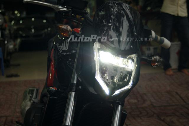 Phiên bản đặc biệt với điểm nhấn là đèn pha sử dụng công nghệ LED.