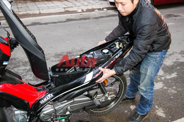 Nhìn chung, việc tháo/lắp bộ vỏ xe Yamaha Jupiter khá dễ dàng, các chi tiết máy dễ tiếp cận, tuy chưa thực sự gọn gàng.