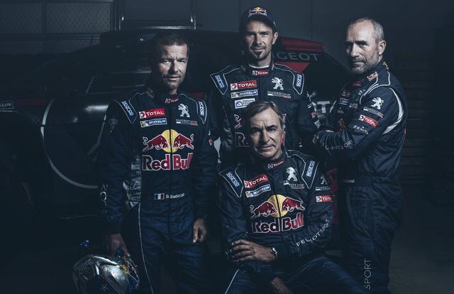 Sebastien Loeb và đội đua Peugout cùng chiếc Peugout 208 WRX tại giải FIA World Rallycross Championship 2016. Tại giải này, đội của ông xếp thứ 4.