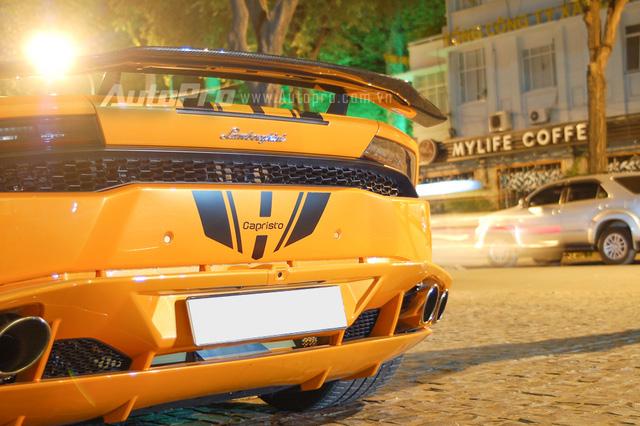 Ống xả độ Capristo của chiếc Lamborghini Huracan tại Sài Gòn có giá 5.404 Euro, tương đương 132 triệu Đồng.