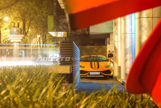Gói độ mang tên gọi Verona Edizione của hãng độ Vorsteiner, Mỹ, chủ yếu bao gồm các chi tiết làm từ sợi carbon như cánh lướt gió phía trước, bên hông và cản sau cỡ lớn với tổng trị giá 10.720 USD, tương đương 240 triệu Đồng, tại thị trường nước ngoài.