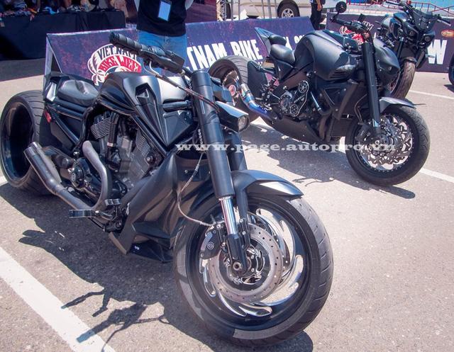 """Ngắm loạt xe mô tô """"bánh béo"""" hội tụ tại đại hội motor Đà Nẵng 8."""